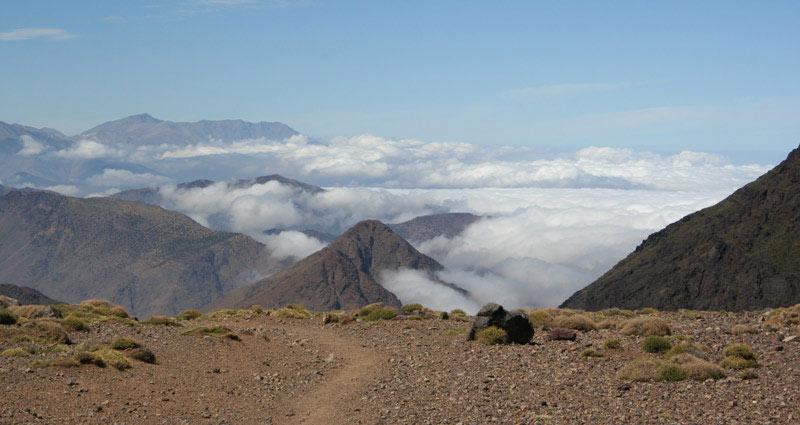 Ttizi-n-Tacheddirt, Gipfel