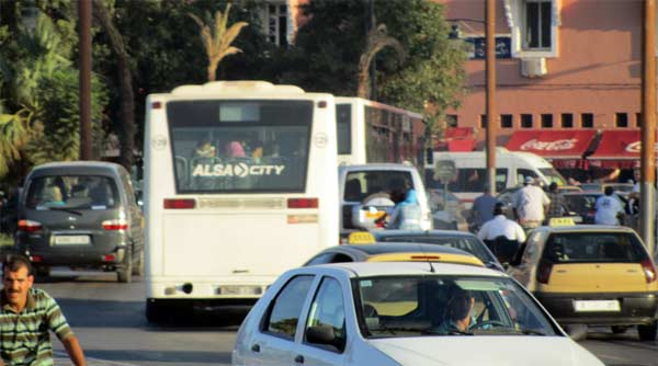 verkehr bus marrakesch