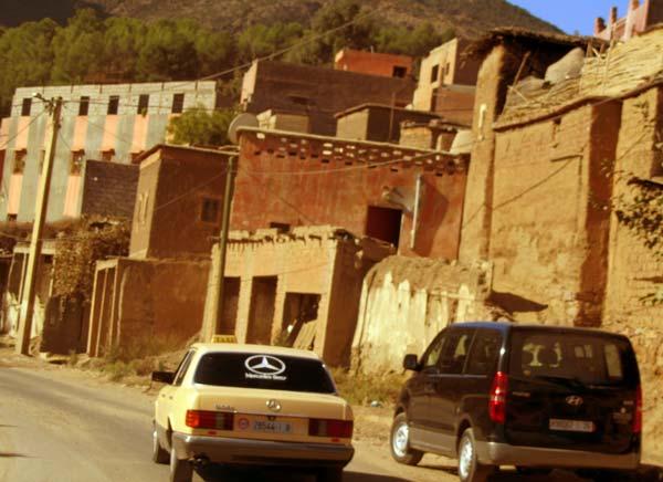 Im Grand Taxi nach Setti Fatma