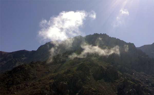 Sonne beim Aufstieg auf den Djebel Toubkal