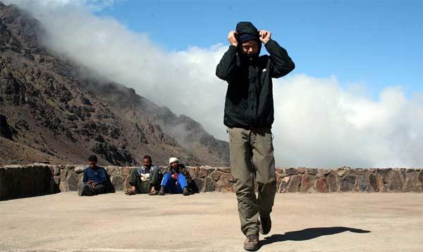 Vor der Neltner Hütte auf dem Djebel Toubkal in Marokko