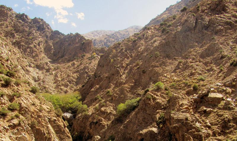 Über den Wasserfällen eröffnet sich ein großartiges Panorama